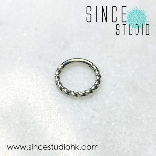 扭紋粗Hinged Seam Ring
